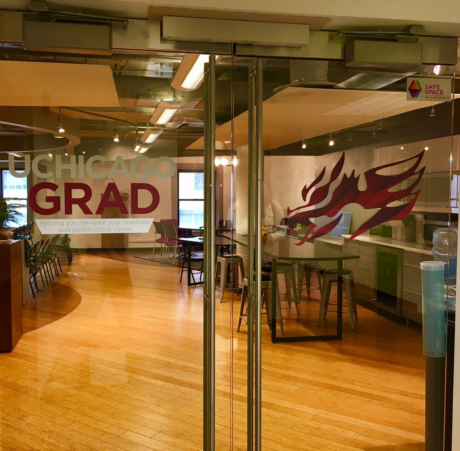 UChicago GRAD HQ space.